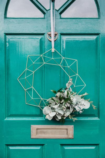 Restore your home with front door home decor